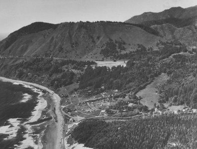 Taken 1950 by Boersig aerial studios. With the last sheep taken off the mountain in 1942, trees start to grow.