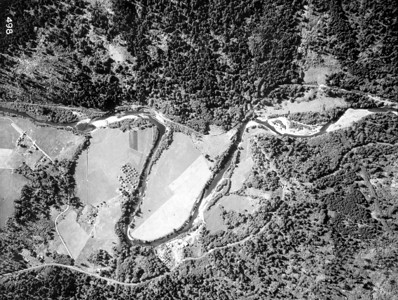Current Smith farm and Riverside Estates taken 1939 for U S Army Corps of Engineers. Highway 53 runs near bottom of the image. The horizontal line slightly above the center of the image is the Markham and Callow logging railroad.