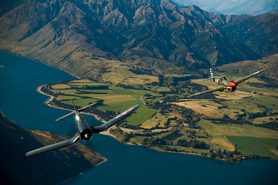 Goodyear FG1D Corsair & Curtiss P-40 Kittyhawk Wanaka, 2008