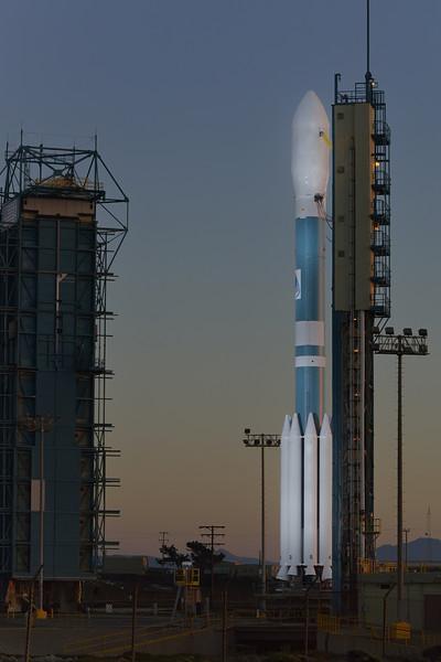 Soumi NPP atop the Delta 5 Launch Vehicle<br /> October 27, 2011