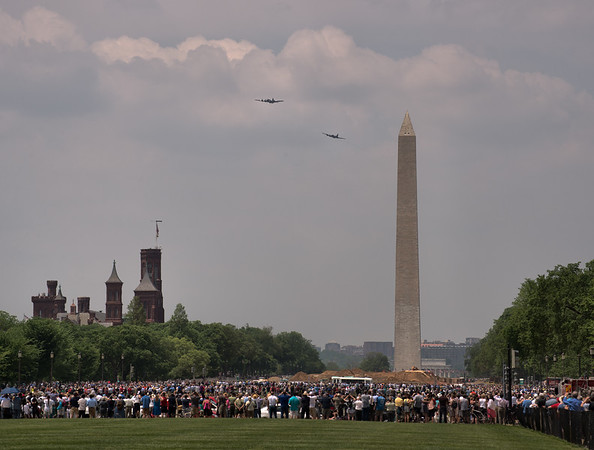 Two B-17 Flying Fortresses Approach the Washington Monument