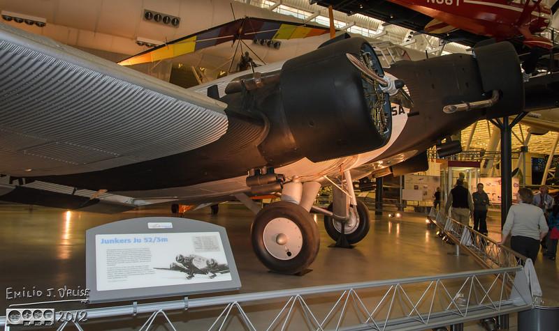 """<a href=""""http://en.wikipedia.org/wiki/Junkers_Ju_52"""">http://en.wikipedia.org/wiki/Junkers_Ju_52</a>"""
