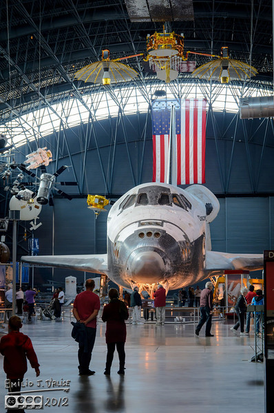 The very front of the shuttle looks, in this shot, like the face of a mouse, complete with large up-turned nose and front teeth hanging down.