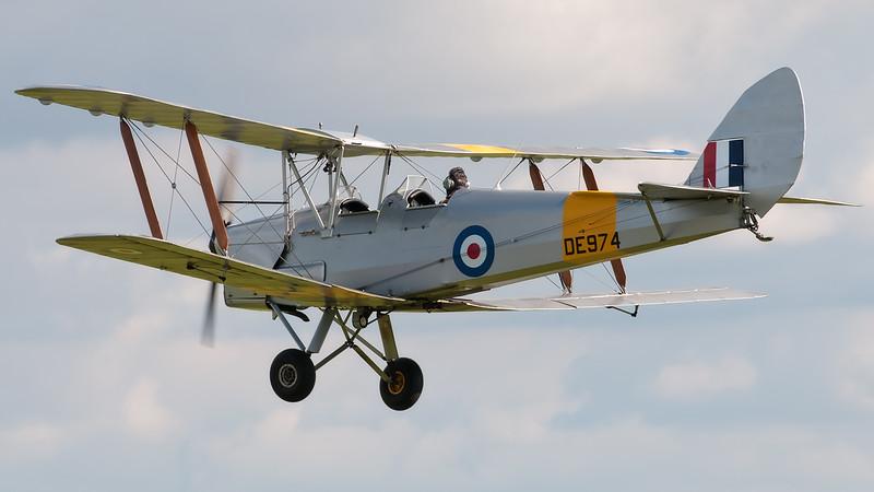 DH82A Tiger Moth G-ANZZ / DE974