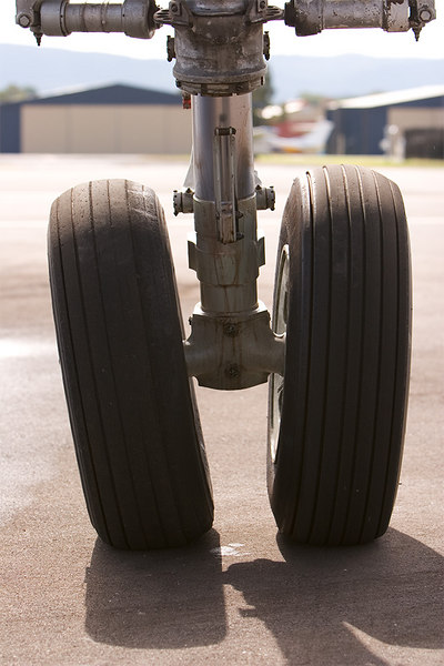 Connie nosegear and tyres. Camber angles help turn authority.