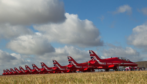 The Red Arrows - Poised for Action