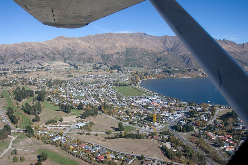 Wanaka and the lake from the Catalina.