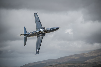 Hawk T2 above Mach loop