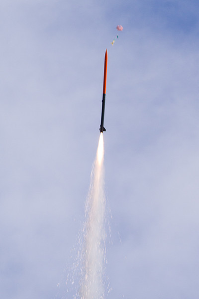 Reed Johansson's One-Eyed Jack flying on an Aerotech H170M, passing a rocket under chute, on its way to 2337 feet at the MDRA 9/15/2012 launch