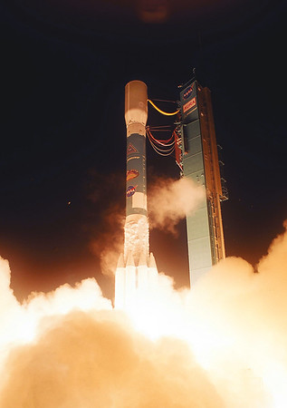 Boeing  Delta II Launches Aura from Vandenberg AFB. CA.  07-15-2004