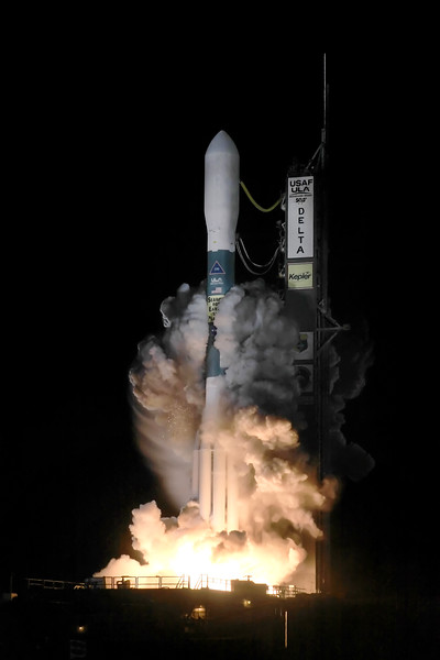 ULA Delta II launches the Kepler Space Telescope from SLC 17B at Cape Canveral, FL. 03-07-2009