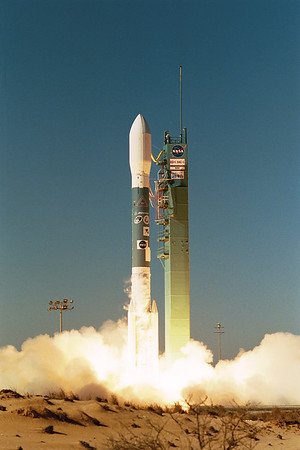 ULA Delta ll launches Nasa's EO-1 SAC-C from Vandenberg AFB. CA. 11-21-2000