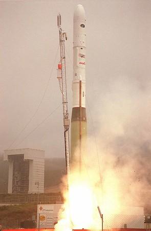 Minotaur l Launches MightySat 2.1 from Vandenberg AFB 07-19-2000
