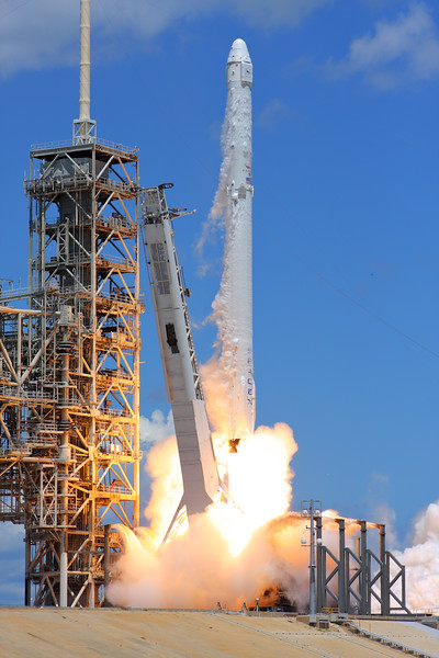 IMAGE: https://photos.smugmug.com/Aerospace/Rockets/CRS-12/i-2TMtn6P/1/d8ace01e/L/2017_08_14_12_33_21_40D_0180-L.jpg