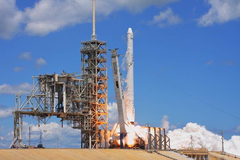 IMAGE: https://photos.smugmug.com/Aerospace/Rockets/CRS-12/i-CwwksNV/0/4f2e287e/L/2017_08_14_12_25_38_40D_1025-L.jpg