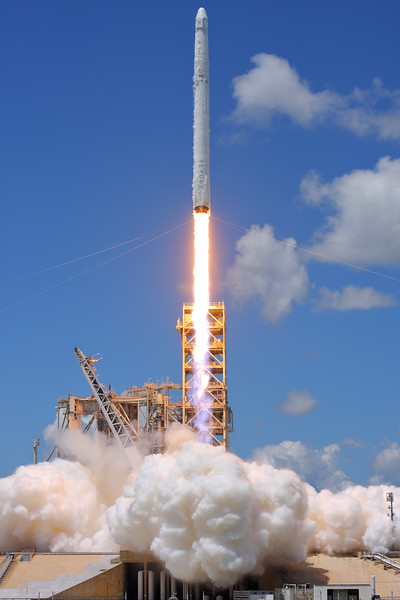IMAGE: https://photos.smugmug.com/Aerospace/Rockets/CRS-12/i-KD5tRMZ/0/bd37cdd7/L/2017_08_14_12_27_01_40D_2506-L.jpg