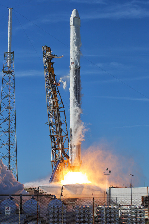 IMAGE: https://photos.smugmug.com/Aerospace/Rockets/CRS-13/i-fCmMLBB/0/24f7670b/XL/2017_12_15_11_30_36_40D_2594-XL.jpg
