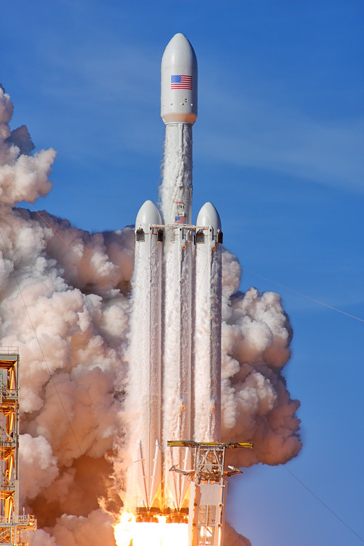 IMAGE: https://photos.smugmug.com/Aerospace/Rockets/Falcon-Heavy-Demo/i-Kw4gknV/0/e66afaf1/XL/2018_02_06_15_45_07_40D_2776-XL.jpg