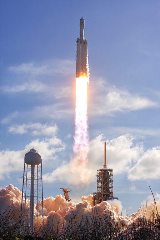 IMAGE: https://photos.smugmug.com/Aerospace/Rockets/Falcon-Heavy-Demo/i-N6kLB7H/0/92138fb3/XL/2018_02_06_15_45_46_40D_2683-XL.jpg