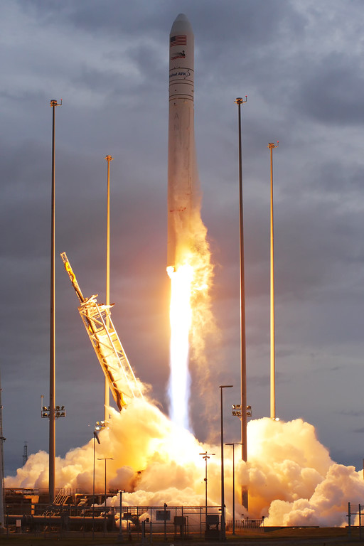 IMAGE: https://photos.smugmug.com/Aerospace/Rockets/OA-8/i-WDxJWPH/0/04f6c1d4/XL/2017_11_12_07_19_00_40D_2586-XL.jpg