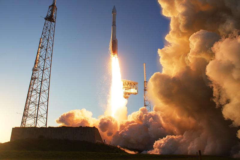 IMAGE: https://photos.smugmug.com/Aerospace/Rockets/OSIRIS-REx/i-DrpdSmH/0/L/2016_09_08_18_03_54_40D_0060-L.jpg