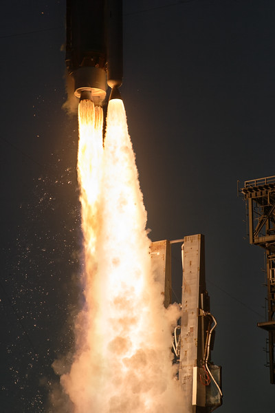 IMAGE: https://photos.smugmug.com/Aerospace/Rockets/OSIRIS-REx/i-QmQf58B/1/L/2016_09_08_19_03_43_1D2_0381-L.jpg