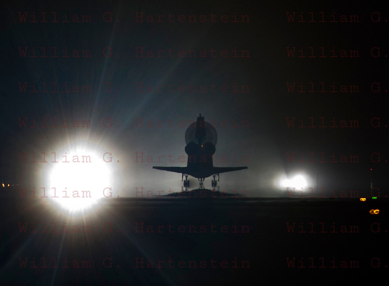 STS-134 Endeavour lands for the last time rwy 15 KSC, June 1st, 2011