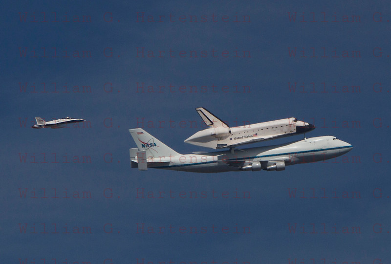 NASA905/Endeavour and  NASA F-18 does a flyby over Los Angeles, CA Sept. 21, 2011