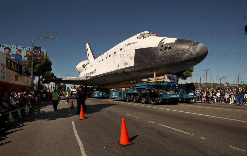OV-105 Endeavour on MLK at Bill Robertson. Oct. 14, 2012