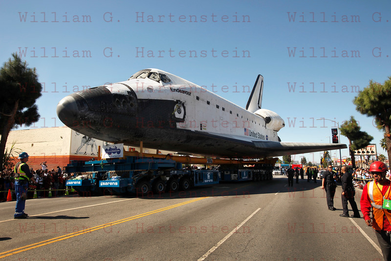 OV-105 Endeavour on MLK at Bill Robertson. Oct. 14, 2012
