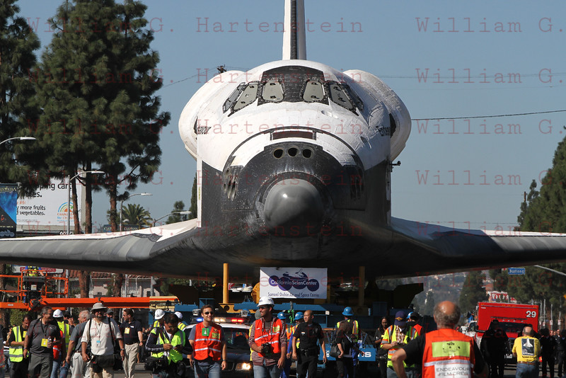 OV-105 Endeavour on Martin Luther King Blvd less than a mile from CSC. Oct. 14, 2012