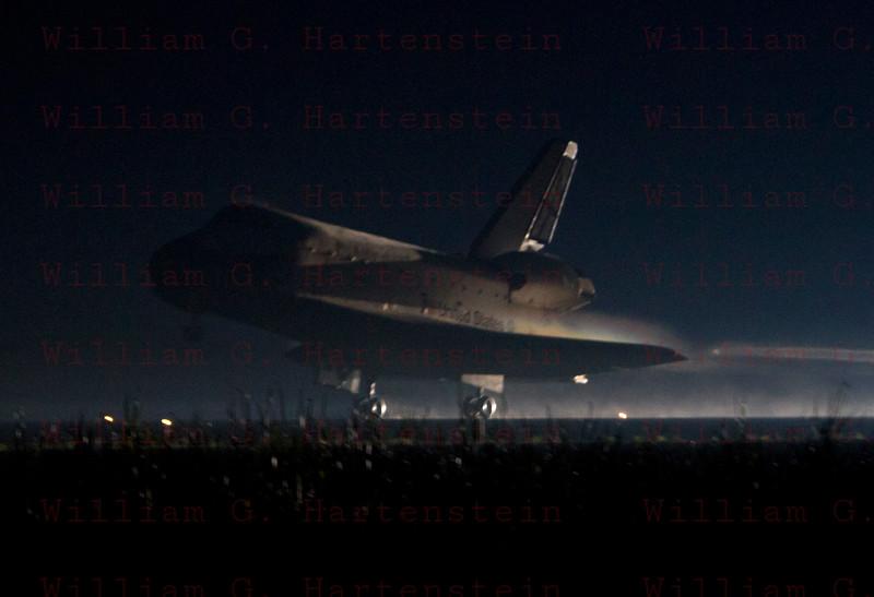 STS-135 Atlantis makes final Shuttle landing. KSC 15 July 21, 2011 @ 5:57am edt.
