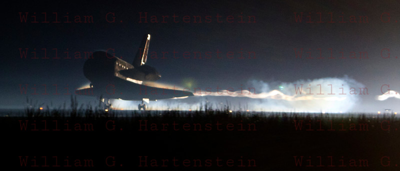 STS-135 Atlantis makes final Shuttle landing. KSC 15 July 21, 2011 @ 5:57am edt.