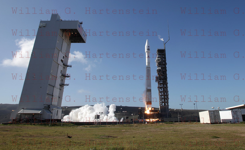 As the Atlas 5 liftsoff a squirrel runs for cover!