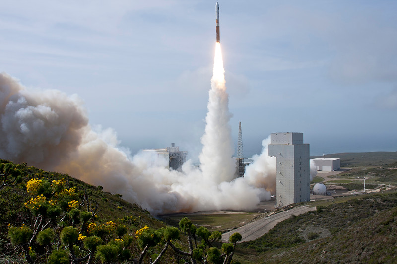 ULA Delta 4/NROL-25 Lifts off from Space Launch Complex 6 at Vandenberg AFB. April 3, 2012 at 4:12:57pm PDT