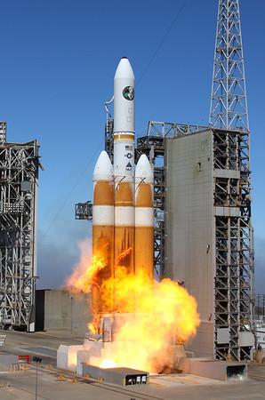 ULA Delta IV Heavy Launches