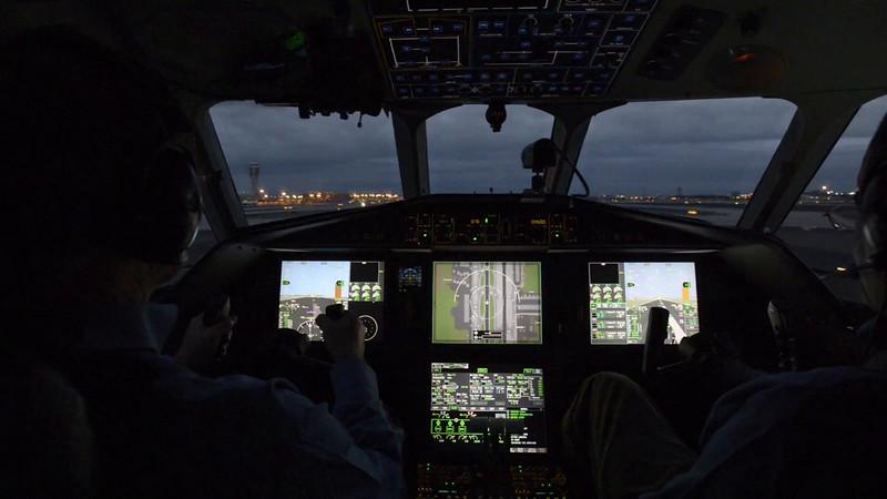 Honeywell Falcon 900 Flight
