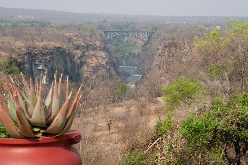 bridge between Zambia and Zimbabwe
