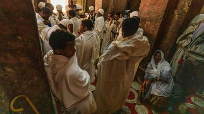 Vormesse (Mass of the Catechumens) in der Biete Meskel, Lalibela