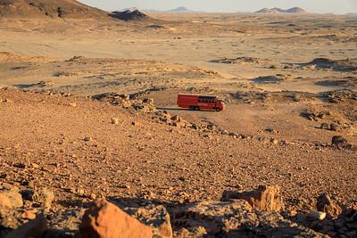 Wenige Meter vom Nil: Nichts als Wüste, Nubische Wüste