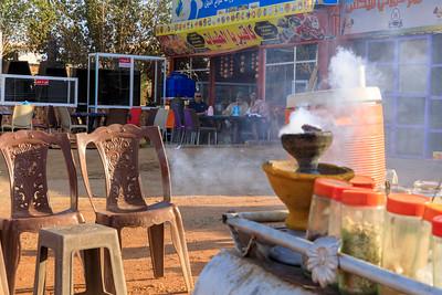 Kaffeezeremonie auf dem Zentralplatz in Karima, Sudan