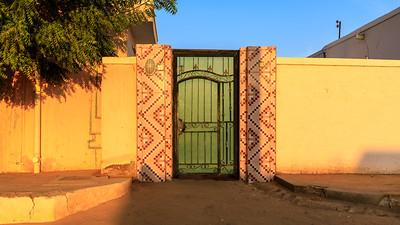 1. Verziertes Eingangstor, Karima, Sudan