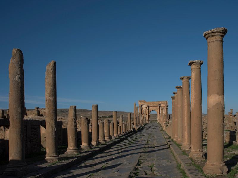 Decumanus and Arch of Trajan, Timgad