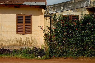 A look around Porto Novo where he grew up...