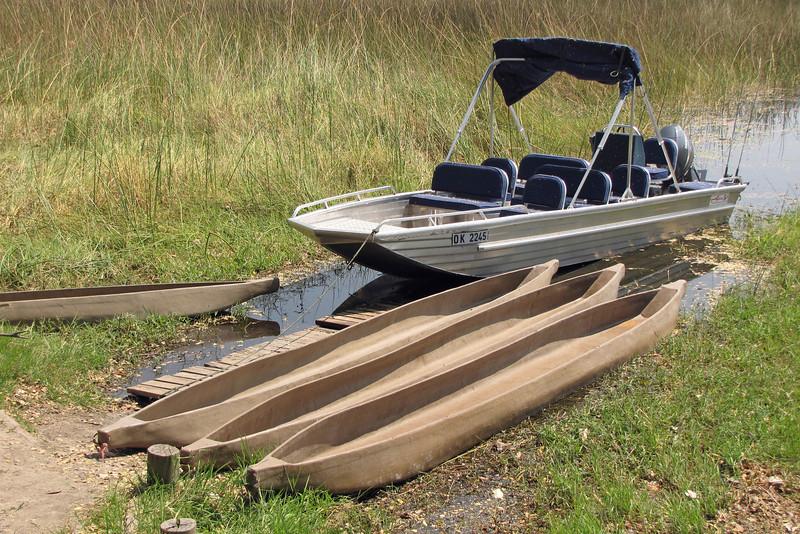 Mokoros and boat at Mapula Lodge