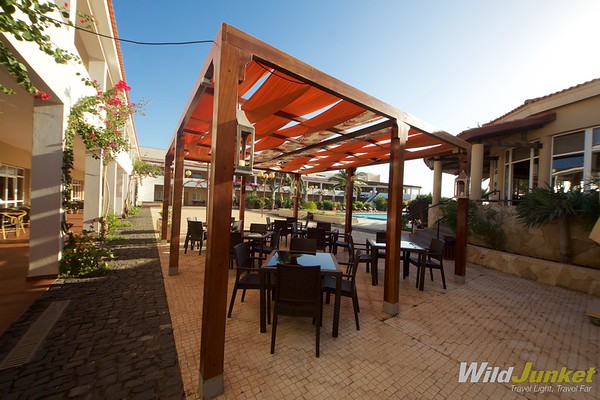 The outdoor alfresco bar perfect for hot, sunny days
