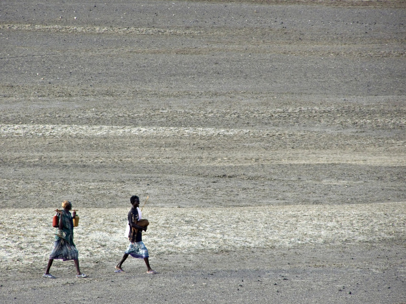 Afar men, Lac Abbe, Djibouti