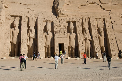 Tourists posing in front of Abu Simbel - Egypt