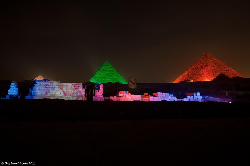 Pyramids-giza-cairo-egypt-night