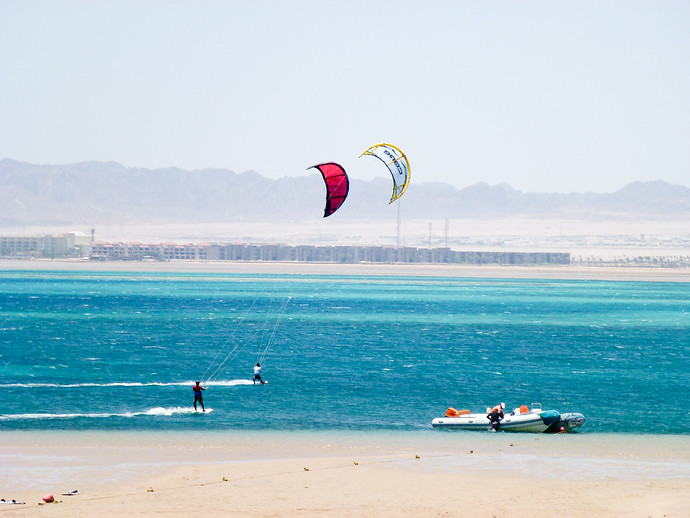 hurghada kite surfing